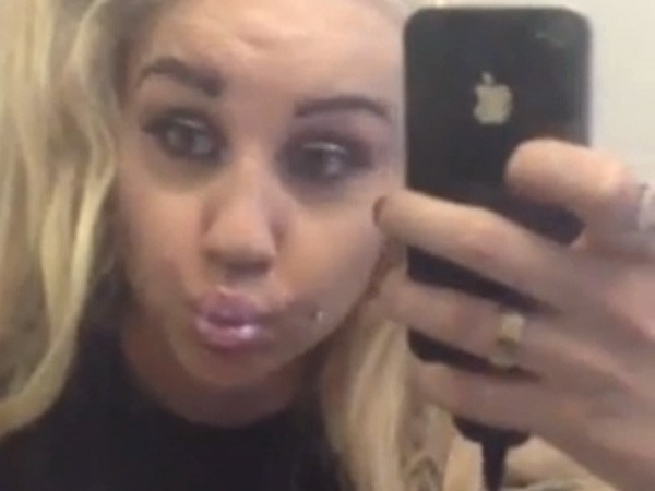 does-amanda-bynes-really-look-like-she-can-call-zac-efron-ugly