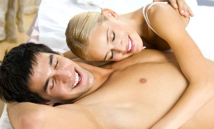 pareja_casada_cama28913