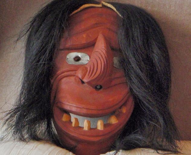 Las máscaras para la persona invernal conservar la juventud