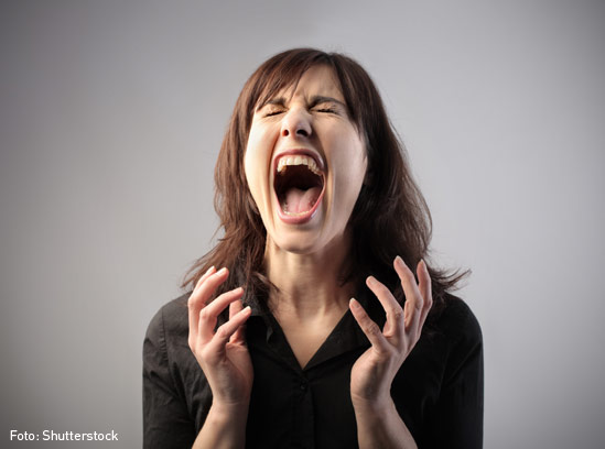 Mujer-gritando