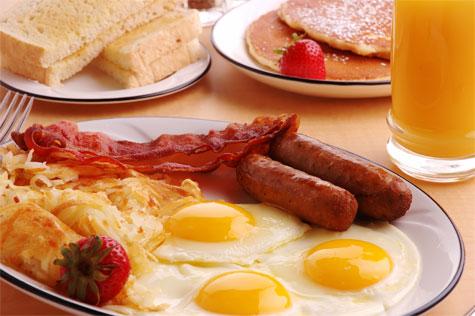 eggs-hash-bacon-toast-pancakes