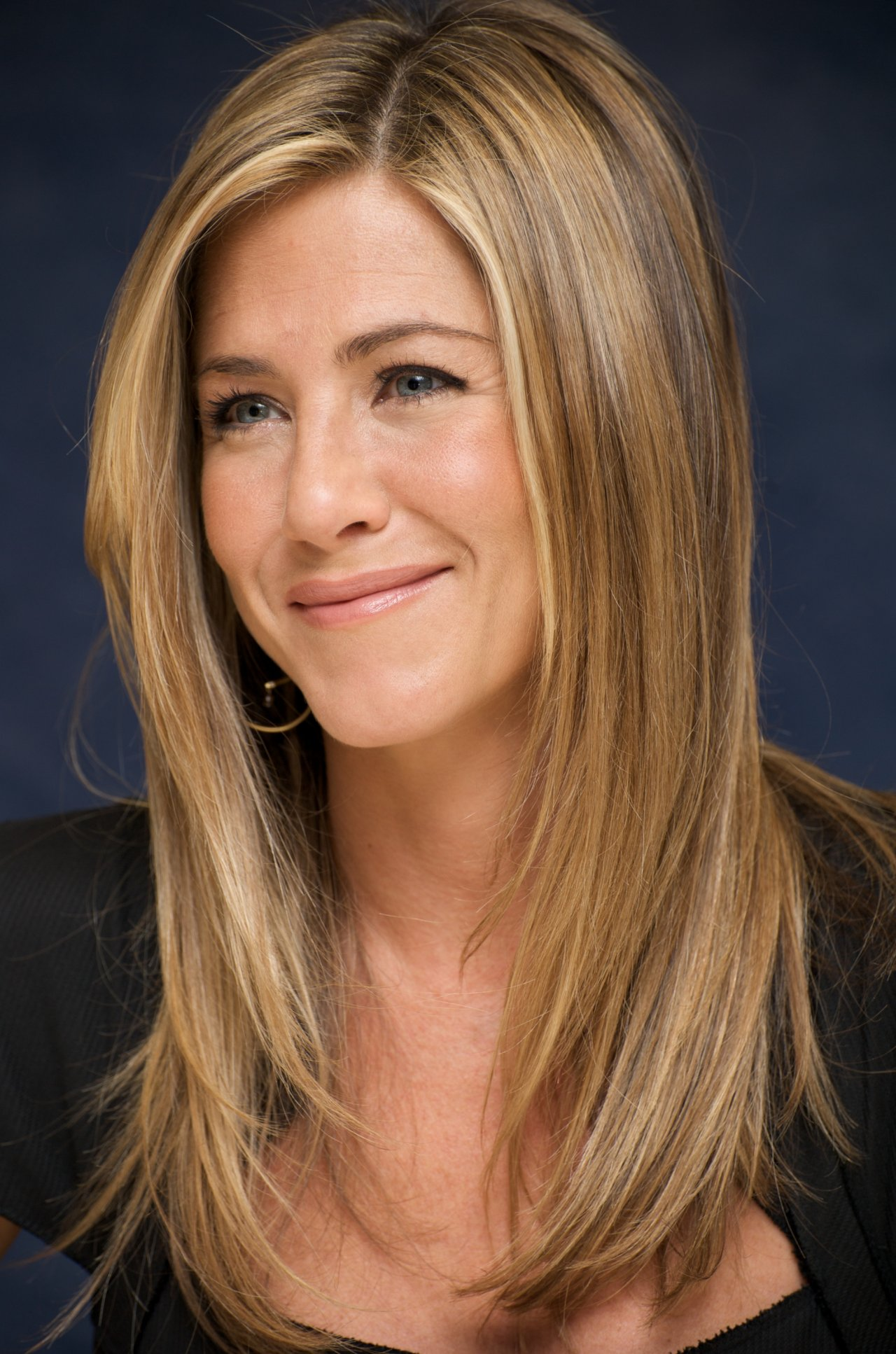 """""""Marley & Me"""" Press Conference with Jennifer Aniston"""