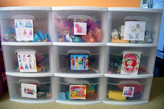28 formas geniales de organizar cosas peque as la 6 - Cajones guarda juguetes ...