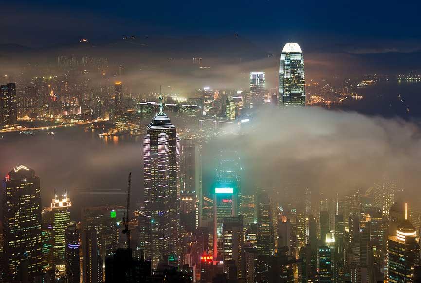 Hong_Kong_summer_fog