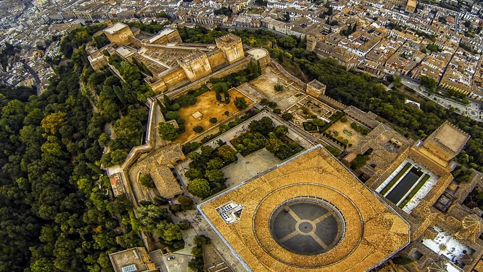 La-Alhambra-de-Granada-migueljavalos