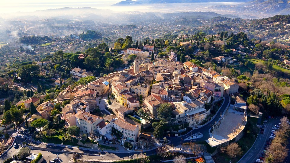 The-city-of-mougins-near-Cannes-in-france.-mougins