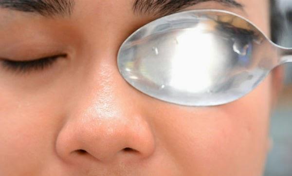 cucharilla-ojos-hinchados