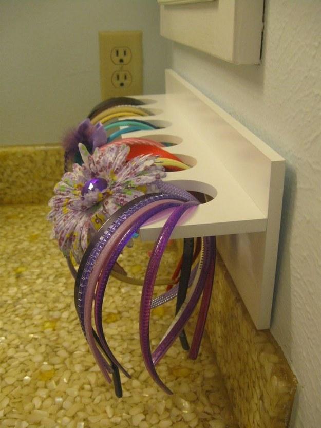 51 trucos para almacenar objetos en tu casa sin utilizar for Con que limpiar los armarios de la cocina