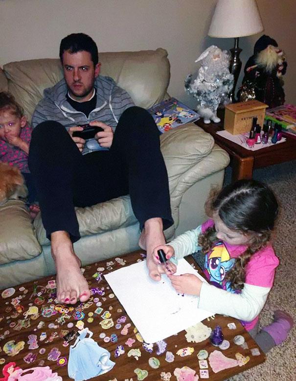awesome-dads-fatherhood-1-1