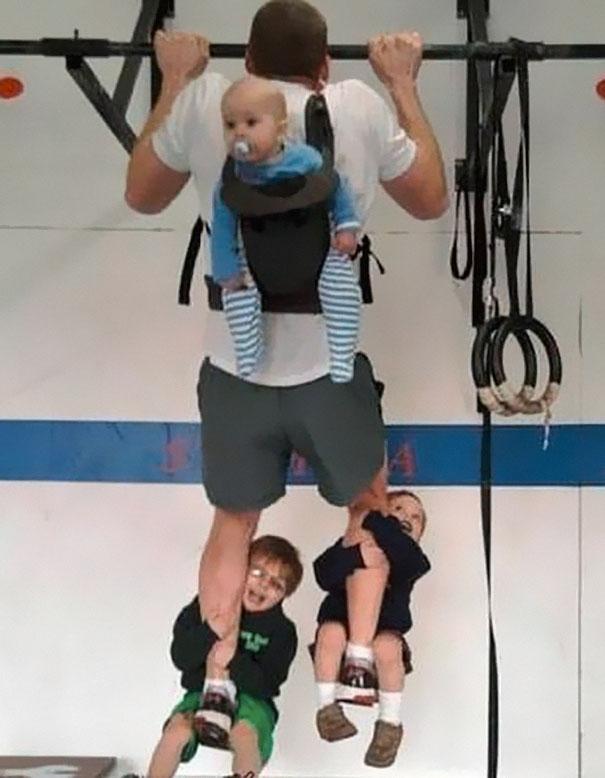 awesome-dads-fatherhood-11__605