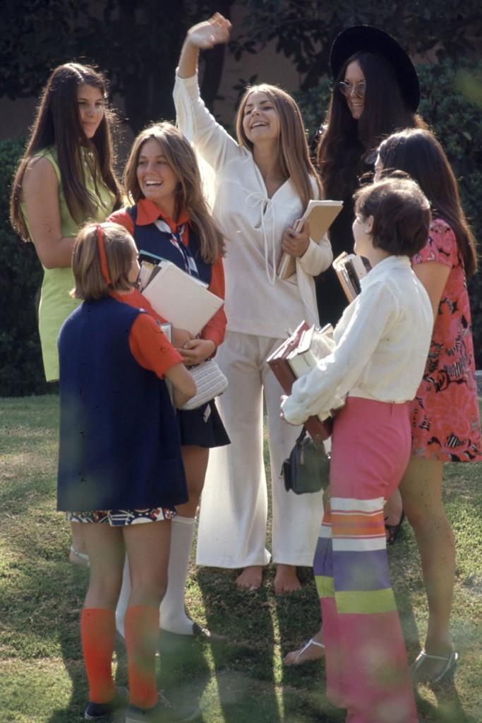 1969-hippie-high-school-fashion-photography-12