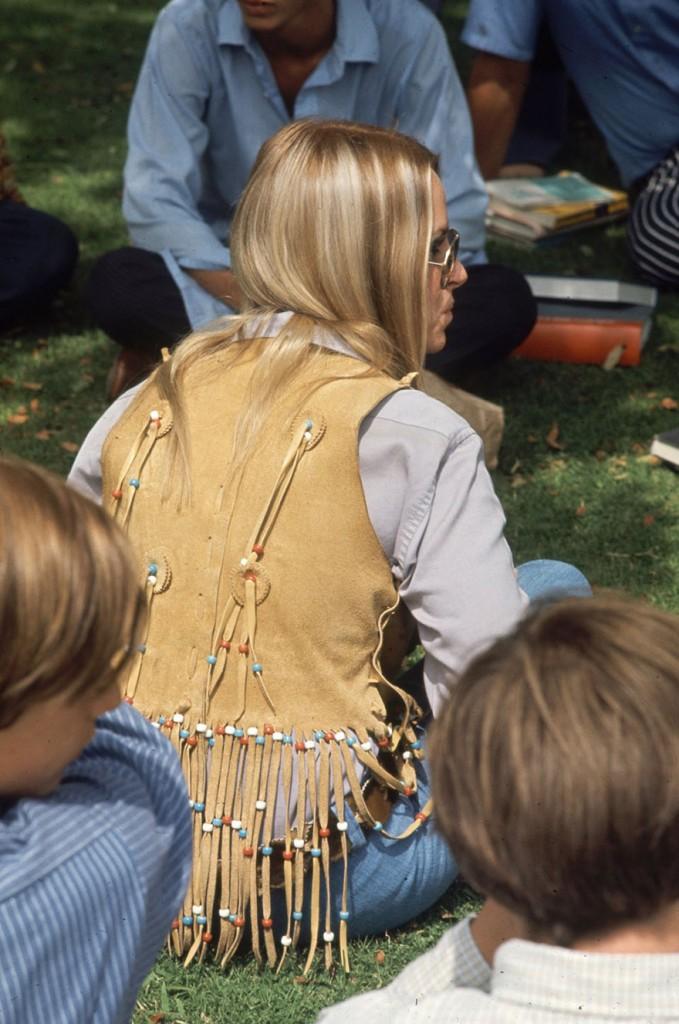 1969-hippie-high-school-fashion-photography-14