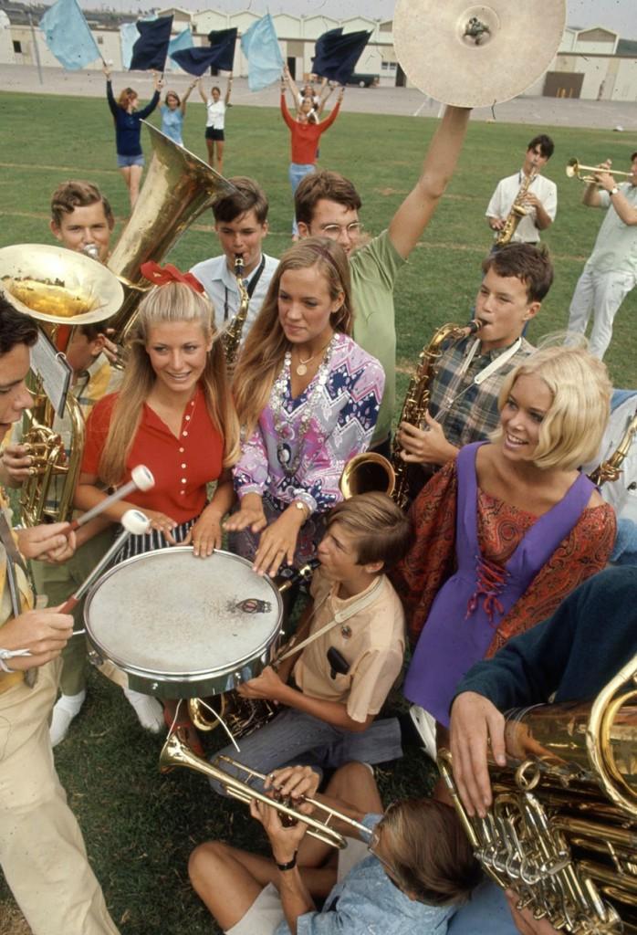 1969-hippie-high-school-fashion-photography-3