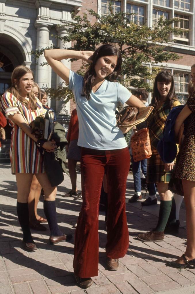 1969-hippie-high-school-fashion-photography-4