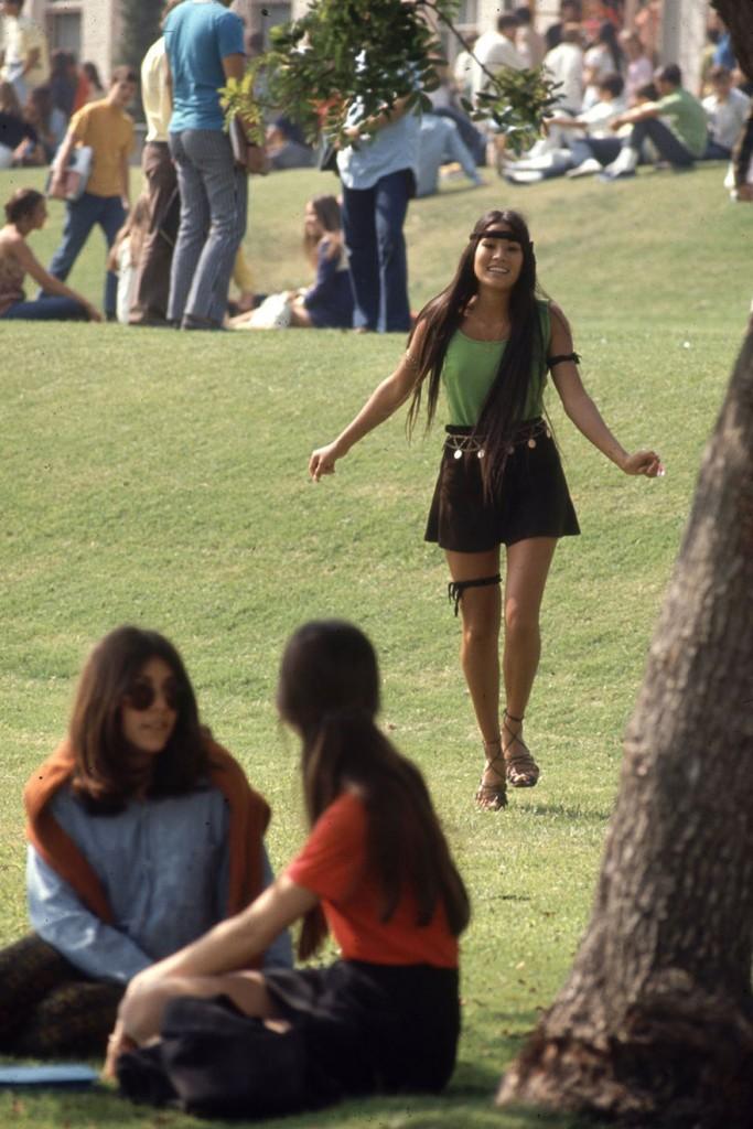 1969-hippie-high-school-fashion-photography-7