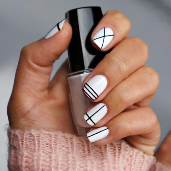 black-white-nails-600x600