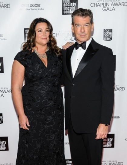 parejas-extranas-keely-shaye-smith-y-pierce-brosnan