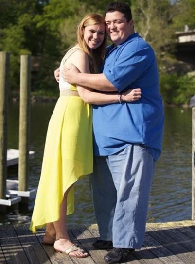 parejas-extranas-mujer-con-hombre-obeso