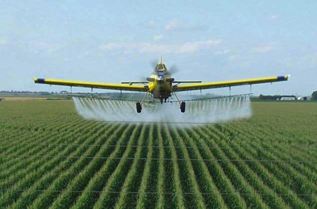 pesticida-avión-campo-popularresistance.org_