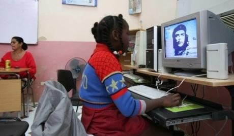 29-internet-CHE.-Cuba