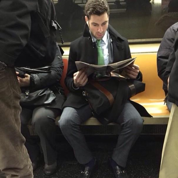 hot-dudes-reading-books-instagram-12-605x605