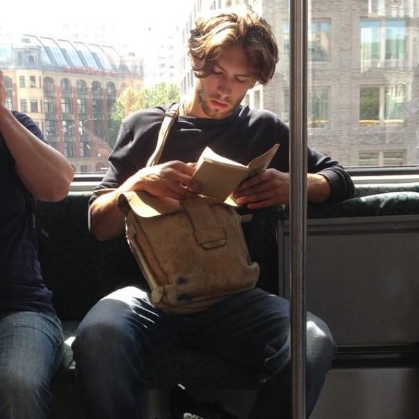 hot-dudes-reading-books-instagram-13-605x605