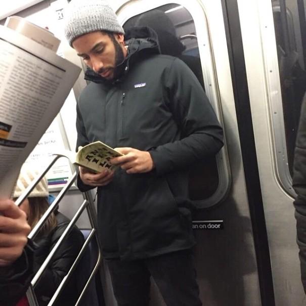 hot-dudes-reading-books-instagram-5-605x605