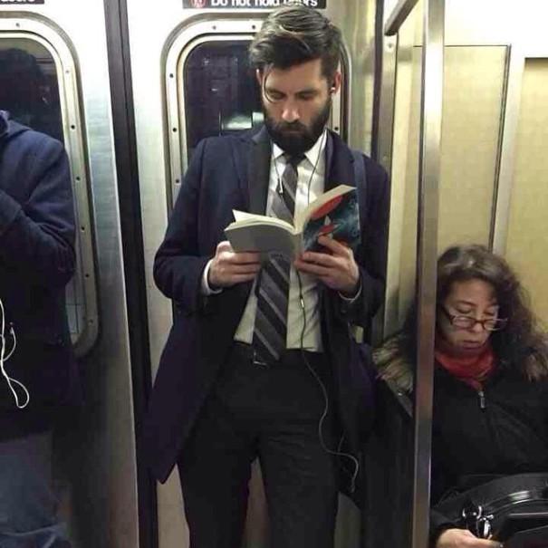 hot-dudes-reading-books-instagram-8-605x605