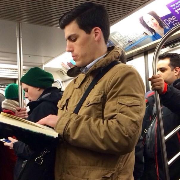 hot-dudes-reading-books-instagram-9-605x605