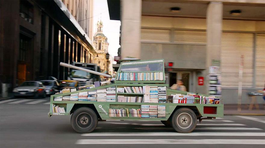 free-book-tank-library-weapon-of-mass-instruction-raul-lemesoff-1