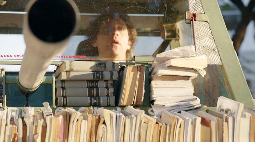 free-book-tank-library-weapon-of-mass-instruction-raul-lemesoff-4