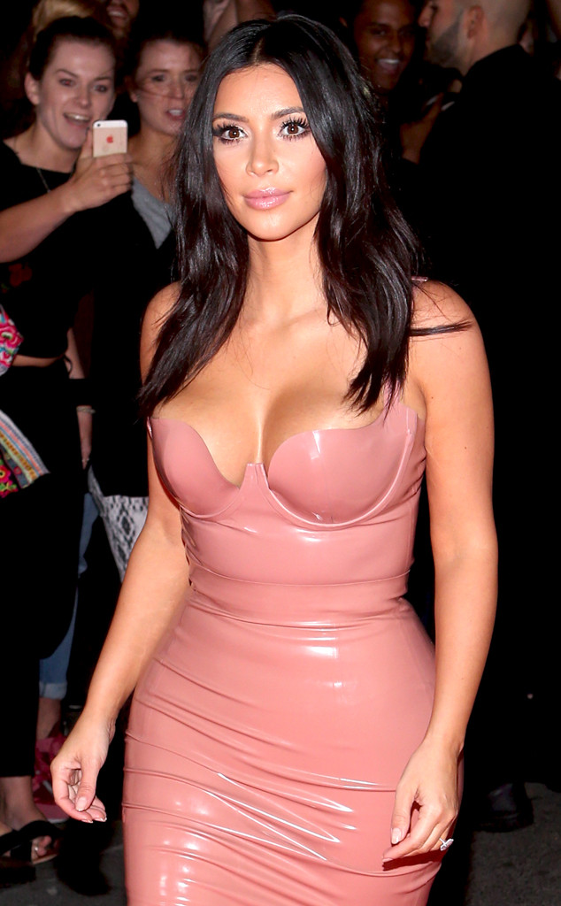 rs_634x1024-141118081704-634.Kim-Kardashian-Latex-Blush.jl.111814