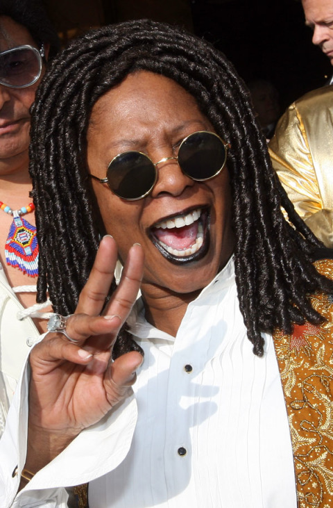 53a00ae580ff3_-_cos-12-whoopie-goldberg-impersonator-mdn