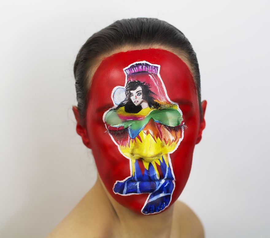 I-painted-my-face-to-celebrate-Record-Store-Day8__880