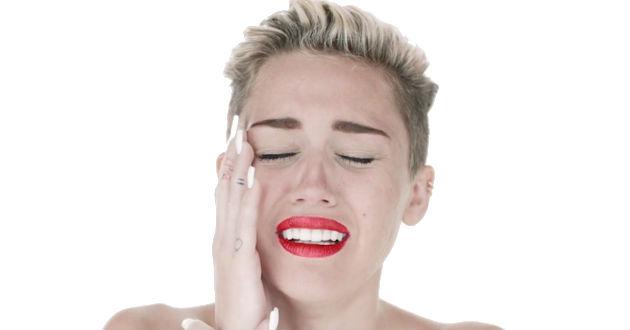 Video-Miley-llora-desconsoladamente-sobre-1901635