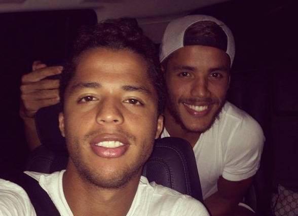 7._exito_hermanos