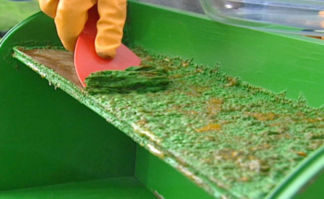 Remove-Old-Paint-from-Metal-Surface