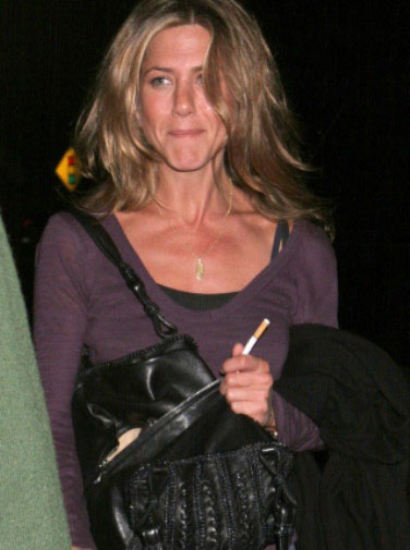 Smoking_JenniferAniston