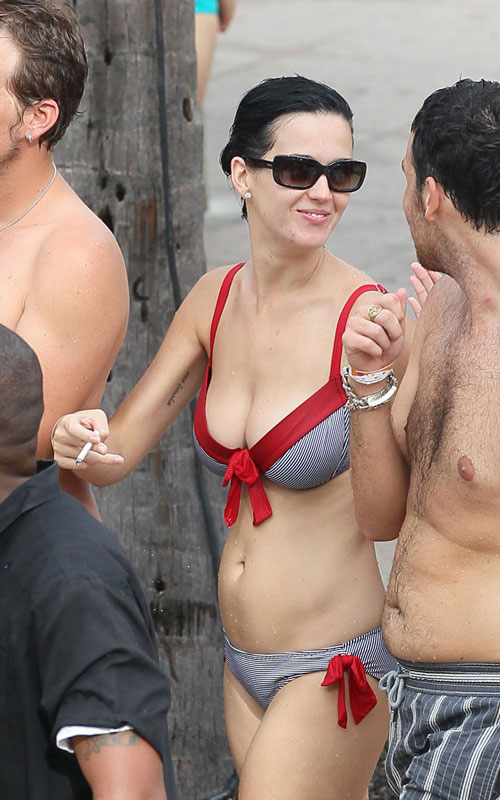 Smoking_KatyPerry
