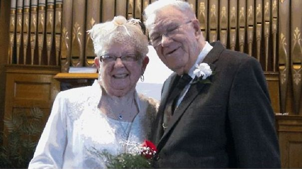 XX-Elderly-Couple-Wedding-Photos-Proving-That-You-Are-Never-Too-Late-To-Find-The-One2__605