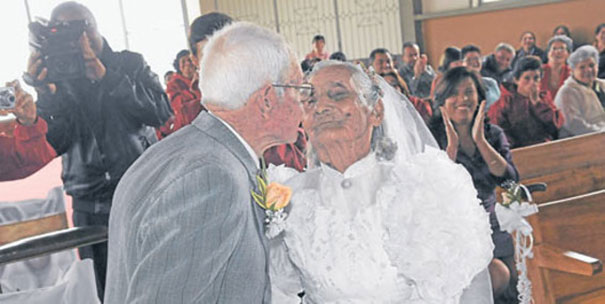 XX-Elderly-Couple-Wedding-Photos-Proving-That-You-Are-Never-Too-Late-To-Find-The-One4__605