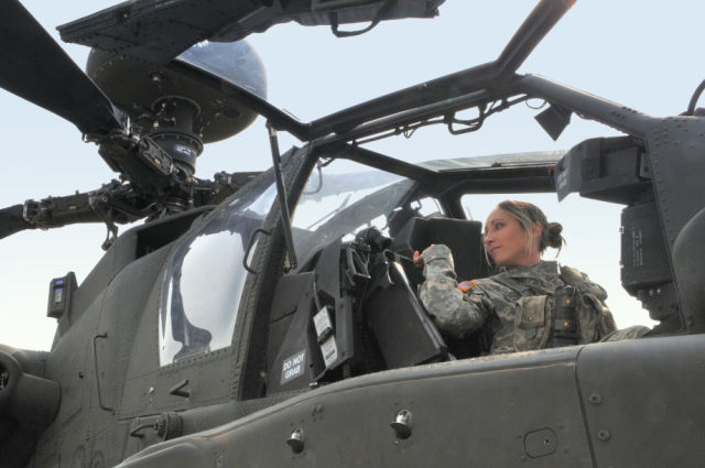 gorgeous_army_girls_who_are_strong_and_sexy_in_combat_gear_640_46