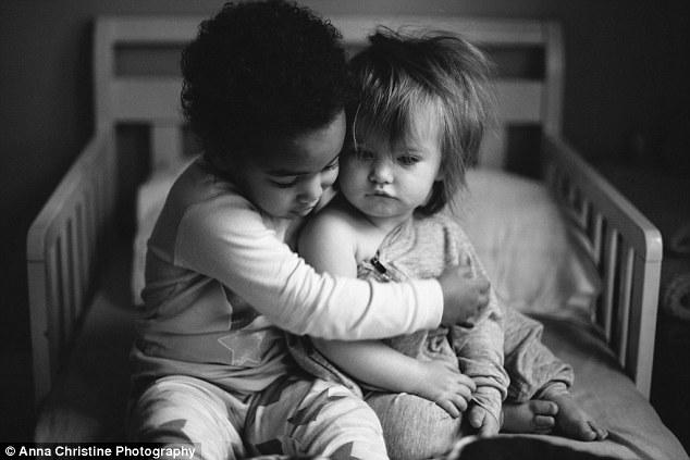 la-hija-biologica-y-su-hermana-adoptiva-13