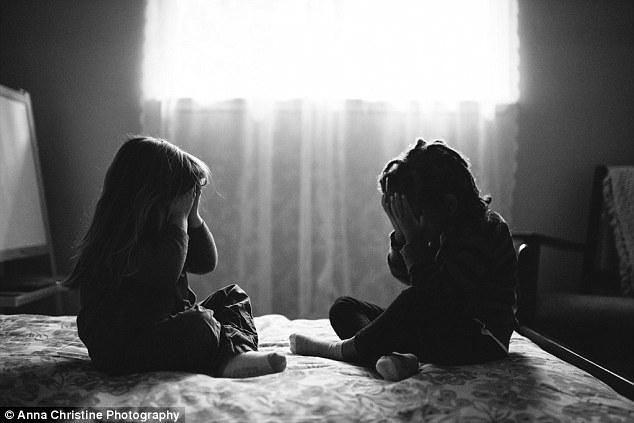 la-hija-biologica-y-su-hermana-adoptiva-7