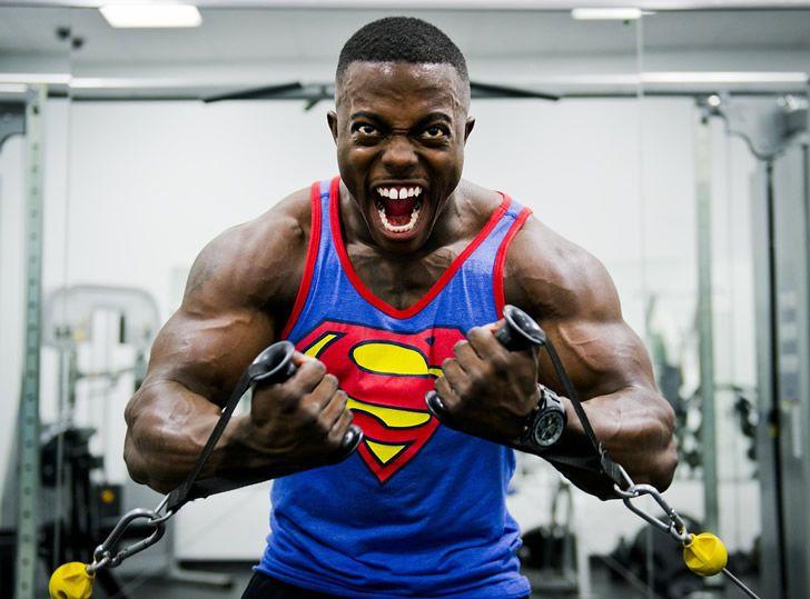superman-musculoso-negro