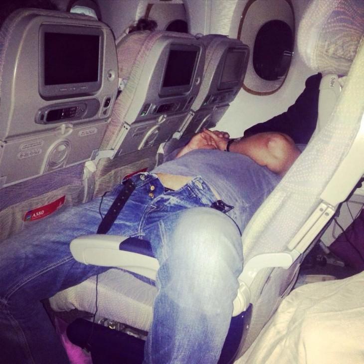 20-pasajeros-de-avión-que-perdieron-la-vergüenza-17-730x730