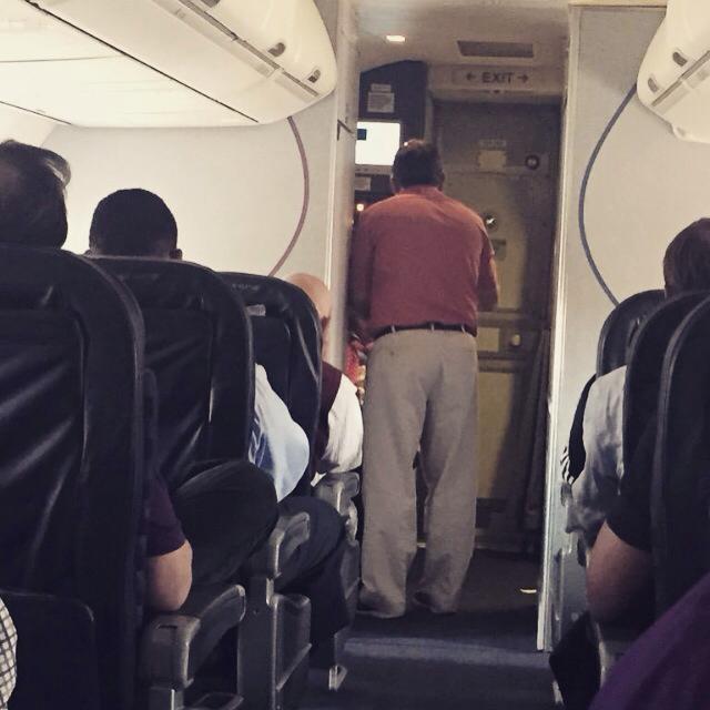 20-pasajeros-de-avión-que-perdieron-la-vergüenza-5