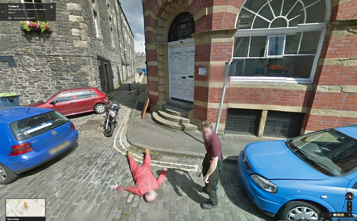 Funny-Google-Street-View-murder_thumb