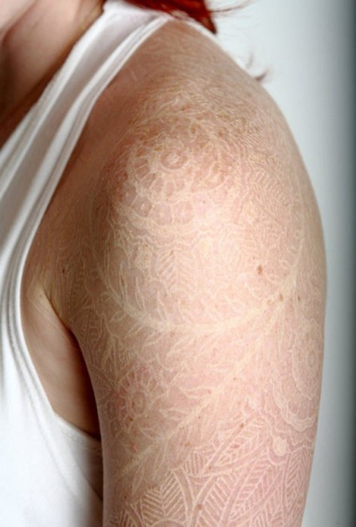 Tatuajes-tinta-blanca-5-507x750