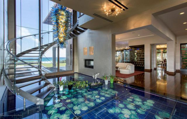 a_seafront_mansion_with_an_awesome_water_themed_interior_640_05